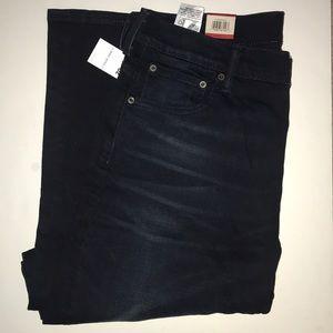 36/32 Levi's Straight Leg Jeans